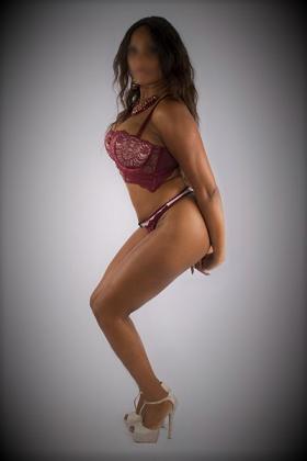 Sexy Escort Naomi
