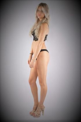 Sexy blonde Escort Nicky